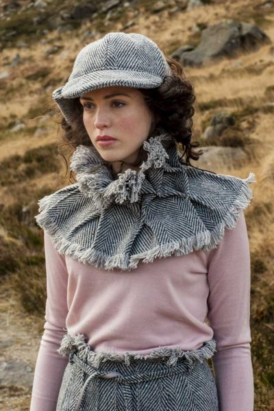 Sherlock holmes cap and tweed collar and skirt in grey
